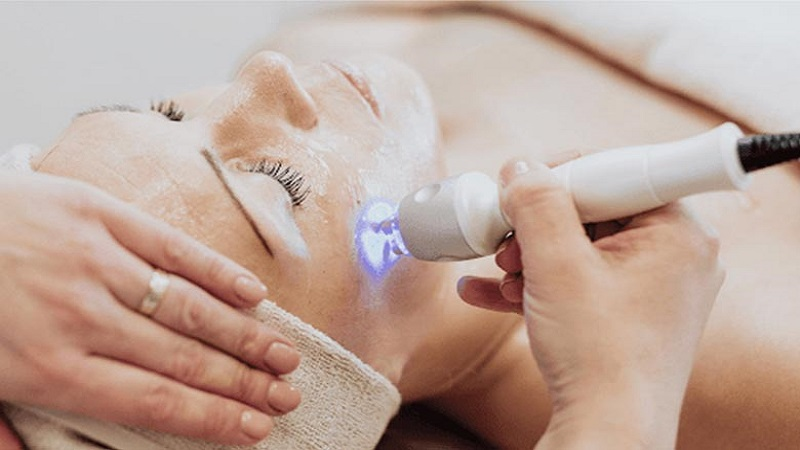 درمان ضایعات پوستی | کاشت مو در اصفهان